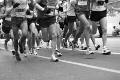the pack (vicki wolkins) Tags: city urban blackandwhite bw chicago race geotagged marathon 2006 event runners athletes runner chicagomarathon utatainhalf geo:lat=41903347 geo:lon=87634568