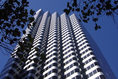 Shaklee Terraces (Eric Hunt.) Tags: sanfrancisco skyscraper highrise som shakleeterraces skidmoreowingsmerrill onefrontstreet 444marketstreet