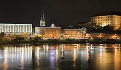 Linz/Donau (guenterleitenbauer) Tags: pictures city light art nature night canon river linz landscape austria licht landscapes photo sterreich google flickr foto image photos nacht kunst fineart natur fine picture images upper fotos stadt com 5d imaging canon5d dslr bild fluss landschaft danube obersterreich hdr bilder landschaften donau gnter nachtfotografie blueribbonwinner flus fotografien guenter landschaftsfotografie aplusphoto leitenbauer excellentphotographerawards donauradwanderweg wwwleitenbauernet