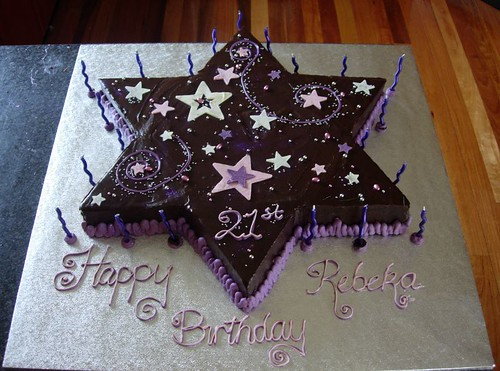Star Cake - Chocolate Mud cake with Dark Chocolate Ganache by cupcaketastic.