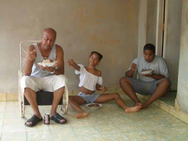 Cuba: fotos del acontecer diario 294236816_651afedb03_o