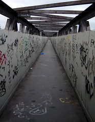 Footbridge, Ilford (Fin Fahey) Tags: city uk greatbritain bridge england urban london geotagged europe footbridge unitedkingdom britain eu railway ilford europeanunion eastlondon redbridge capitalcity outerlondon finfahey ig1