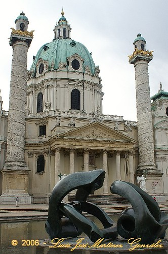 "Viena - karlskirche • <a style=""font-size:0.8em;"" href=""http://www.flickr.com/photos/26679841@N00/298125670/"" target=""_blank"">View on Flickr</a>"