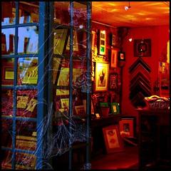 Le voleur de rves... (Christine Lebrasseur) Tags: street orange france art 6x6 collage shop architecture canon 350d gallery paintings 500x500 labastideclairence allrightsreservedchristinelebrasseur