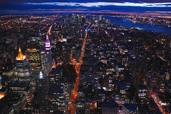 Veins of lava (Manhattan by night) (skelter) Tags: new york city newyorkcity panorama newyork night river downtown manhattan lexington broadway empirestatebuilding hudson avenue 5th flatiron flickrsbest nikonstunninggallery