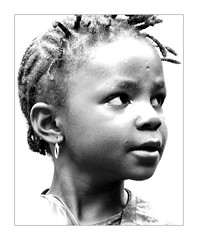 Light (brunoat) Tags: africa portrait blackandwhite bw blancoynegro girl high bravo key child retrato african bn nia highkey cameroon cameroun clavealta camerun brunoat artlibre brunoabarca