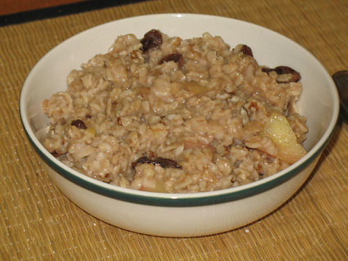 Apple-Raisin Oatmeal