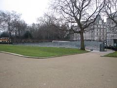 Hyde Park Corner - Australian War Memorial (Broniors) Tags: london 2006 warmemorial hydeparkcorner
