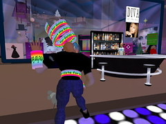 Second Life BB 48 (Gary Hayes) Tags: secondlife bigbrother housemates xmastree challenges endemol muve environmentdesign virtualrealitytv tvformat