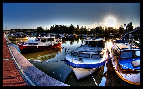 Boats on Porvoo river part II -- fisheye hdr porvoo river fall hdri nordic highdynamicrangeimaging autumn 2006 boat wikipedia