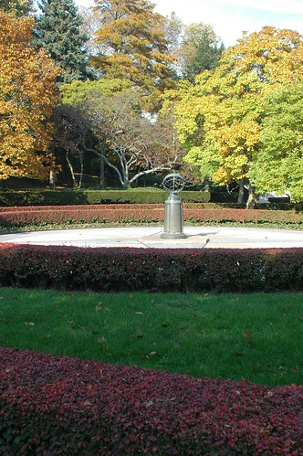 Sundial near Magnolia Plaza
