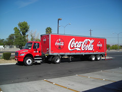 Coca Cola Tractor Trailer - by Roadsidepictures