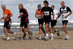 Zeeuwse kustmarathon 2006  EW_060 (Eddy Westveer) Tags: strand marathon zeeland walcheren zeeuwse oostkapelle westveer eddywestveer kustmarathon marathonzeeland marathonzeeland2006 zeeuwsekustmarathon 2006eddy wwweddywestveercom