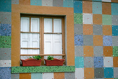 Ventana 10 (dgr) Tags: travel viaje espaa color colour 20d window wall canon ventana pared spain colours squares mosaic astu