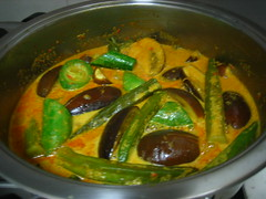 Vegetable Curry With Snake Gourd (Food Trails) Tags: vegetables homemade blogging foodtrails homecooked homestyle homecooking curryleaves ladysfingers seasonings comments eggplants serai currypaste brinjals snakegourd driedseafood freshchilliesgroundingredients drumnsticks