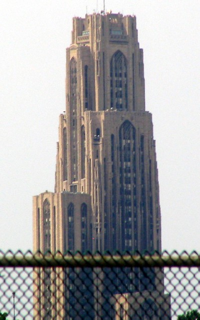 U Pitt Cathederal of Learning from I-376