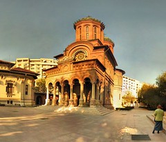 Bucarest - Monastre Antim - 8-11-2006 - 13h34 (Panoramas) Tags: church iglesia kirche chiesa monastery romania orthodox orthodoxe glise bucharest bucuresti monastre bukarest roumanie orthodoxy patriarch bucarest antim etiennecazin orthodoxie   bucureti interestingness259 i500 patriarcat  top20travel tiennecazin
