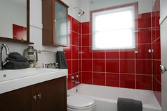 charming little bath reno (The 10 cent designer) Tags: bathroom interior reno interiordesign interiorphotography interiorphotographer interiorsset loriandrewsinteriors