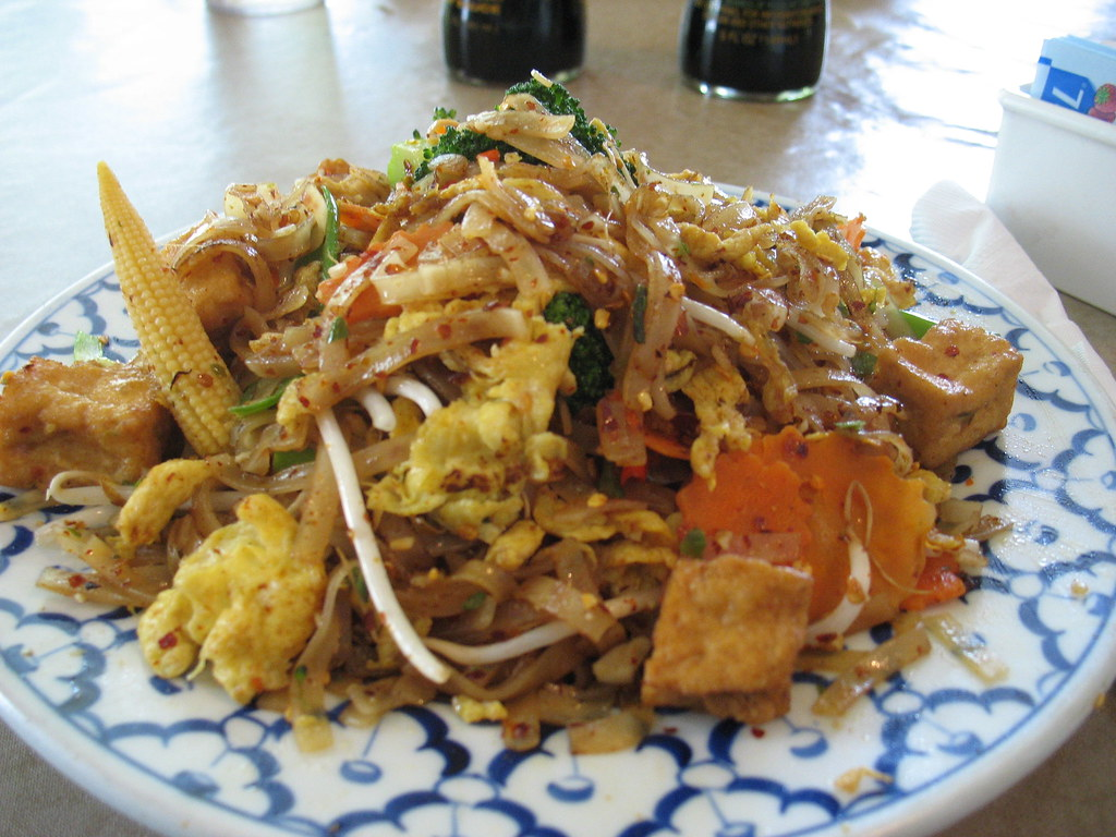Vegetable Pad Thai | Flickr - Photo Sharing!