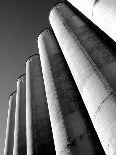 Silos. Zoom Zoom/Flickr