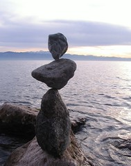 06 11 24 rock balance (Heiko Brinkmann) Tags: sunset sculpture nature water germany ilovenature deutschland evening faces stones pebbles balance bodensee balancing rockstacking rockbalancing lakeconstance badenwuerttemberg pebblebalancing