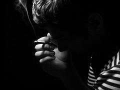 Falling. (Marco Figueroa) Tags: portrait luz dark tristeza retrato amor interior falling buscando agonia oscuridad caida sentimientos depresion obsesion fu adiccion ilucin desiuicin