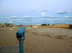 1130_Moon_Scope.jpg (dvfig) Tags: nature capecod background foreground