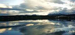 Baia di Ushuaia,riflessi (giancarvedsse) Tags: patagonia argentina tierradelfuego ushuaia atardecer tramonto navimag puestadelsol terradelfuoco magellano analogico cabodehornos baiadiushuaia capohorn
