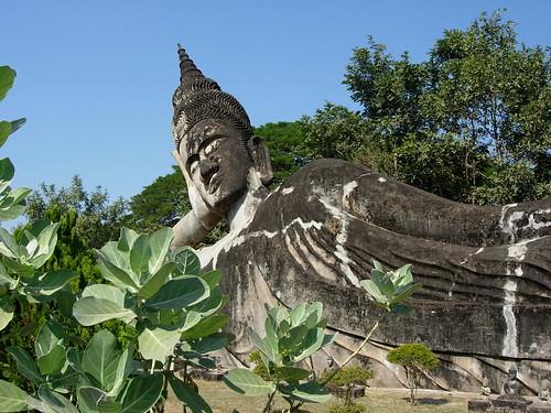 Escultura del Enorme Buda echado