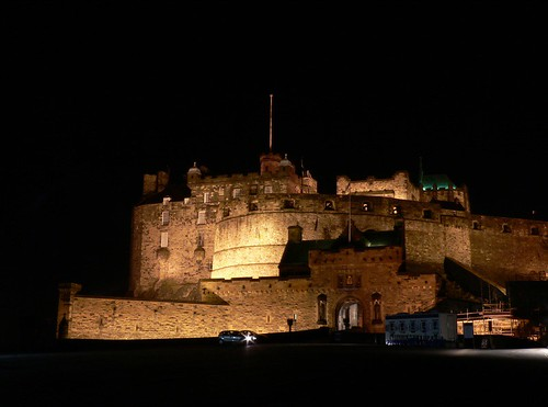 edinburgh castle night.jpg
