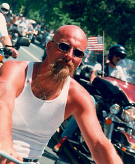 Bald.Cyclist.RT.WDC.30may93 (Elvert Barnes) Tags: rollingthunder rollingthunder1993 washingtondc motorcycles constitutionavenue memorialday memorialday1993 bald baldmen