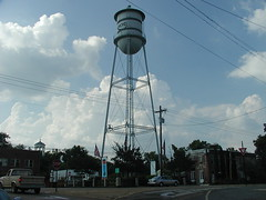 Raymond's town square (lordsutch) Tags: day cloudy watertower raymond townsquare