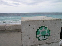 Quai des Anglais - Nice (France) (Meteorry) Tags: sea france green beach mushroom nice europe boulevard spaceinvader vert ctedazur paca 06 meteorry
