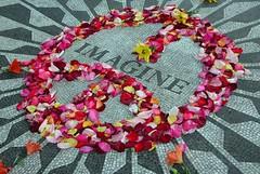 John Lennon memorial (jolanda r (aka jojoro)) Tags: imagine flowers lennon strawberry memorial centralpark newyork nyc ny jojoro