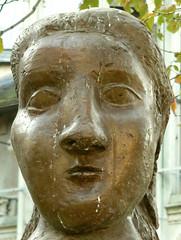 Dora Maar, one head (Clio20) Tags: portrait paris statue bronze square beige head picasso saintgermain saintgermaindesprs tte buste pablopicasso quartierlatin statuaire apollinaire eglisesaintgermaindesprs squarelaurentprache sgpsquarelaurentprache guillaumeapollinaire doramaar