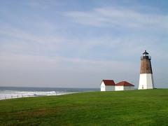 Point Judith Lighthouse in Narragansett, Rhode Island (roddh) Tags: light red lighthouse white house green topf25 grass point sony hurricane cybershot 100v10f rhodeisland mostinteresting topv777 frances sep2004 pointjudith grassy f707 roddh specland