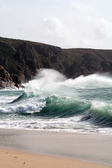 Bigger Wave : Porthcurno