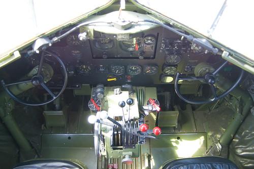 IMGP2020 DC3 cockpit