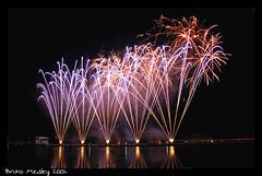 DSC_3029 copy (Bruno Medley) Tags: luz firework fogo cor artificio