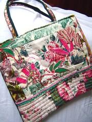 Rosa Quilting finished # 4.00 (saraaires (quartodeideias)) Tags: bag quilt handmade embroidery carteira purse patchwork saco mala retalhos