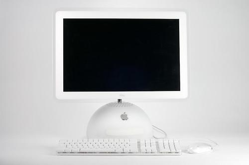 Apple iMac G4 expuesto en el MoMA de Nueva York