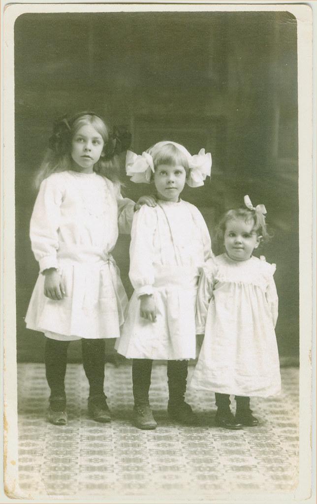 children trio