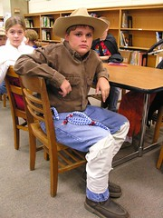 Pecos Bill (Old Shoe Woman) Tags: school costumes students reading books bookcharacters redribbonweek readathon yearbook2006 drugawareness