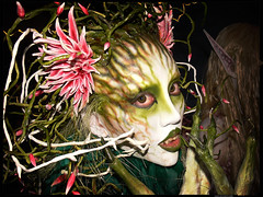 Enviously Green : Kawasaki-Halloween 2006 (Danz in Tokyo) Tags: costumes people color green halloween face monster japan japanese costume asia makeup  fangs kawasaki fz30  theface nozoom realpeople danz october2006 danzintokyo realtokyo kawasakihalloween2006