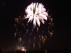 Oooh! (Ms_Luds) Tags: guyfawkes firework bonfirenight november5th