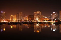 Baywalk, Roxas Boulevard (Raul Wong Roa) Tags: travel reflection water night lights iso100 harbor nightshot philippines manila baywalk yatch ccp raulwongroa