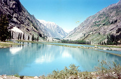 Maho lake in chitral (Grumpy_y) Tags: pakistan lake truck jeep offroad 4x4 hill beautifull northerarea
