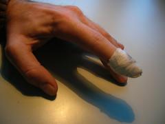 Finger 2 (Kibonaut) Tags: me hurt blood hand cut finger injury plaster creme wound peer injured pflaster aua schmerz zeigefinger wunde schnitt autsch bepanthen outch icutmyfinger pbrockhoefer brockhoefer brockhfer