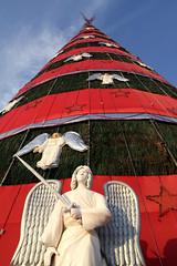 Xmas Tree (R. Motti) Tags: christmas xmas natal angel holidays sopaulo christmastree sword ibirapuera xmastree motti arvoredenatal parqueibirapuera sigma1770 ricardomotti