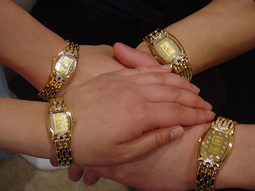 Elegant Women's Gold Watches